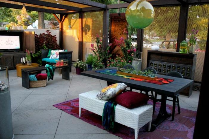 el jardin secreto imagenes muros colores esferas