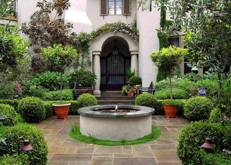 entrada casa fuente plantas ideas