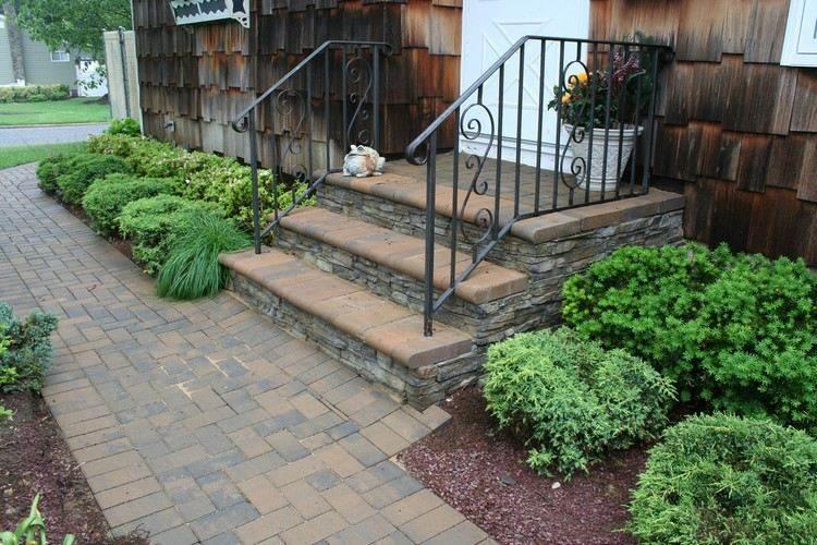 entradas jardines escalones maderas muebles metales