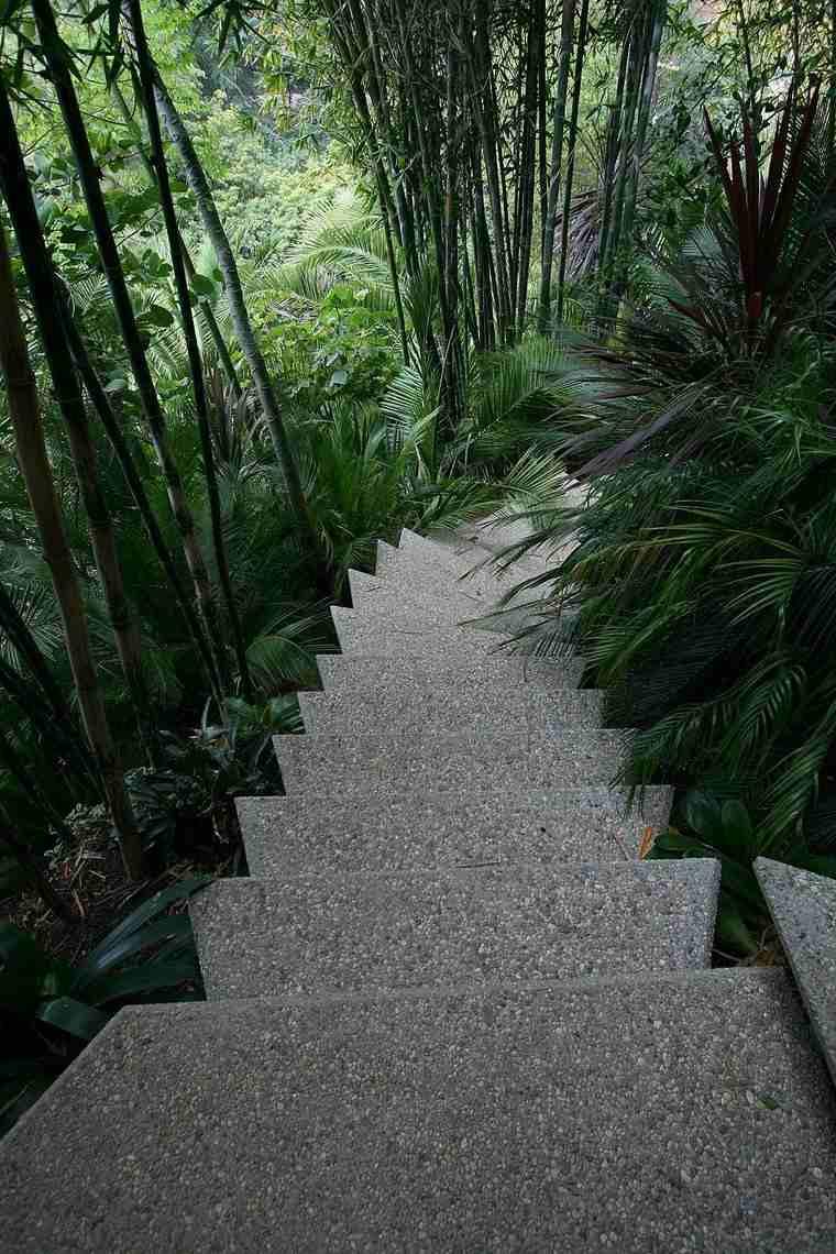 escaleras casa unica colina ideas