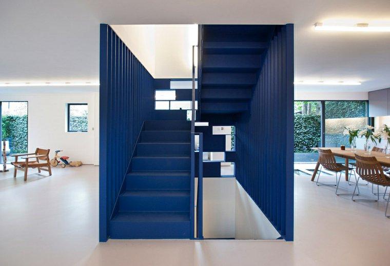 escaleras interior color azul ideas