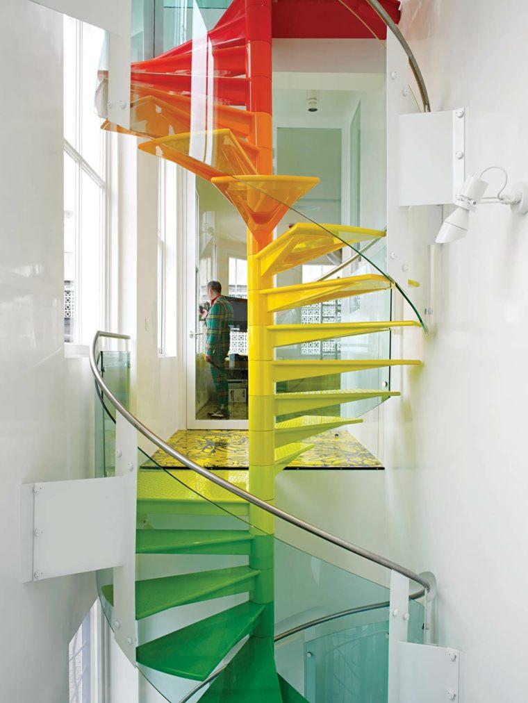 Escaleras de interior 74 dise os coloridos - Escaleras modernas interiores ...