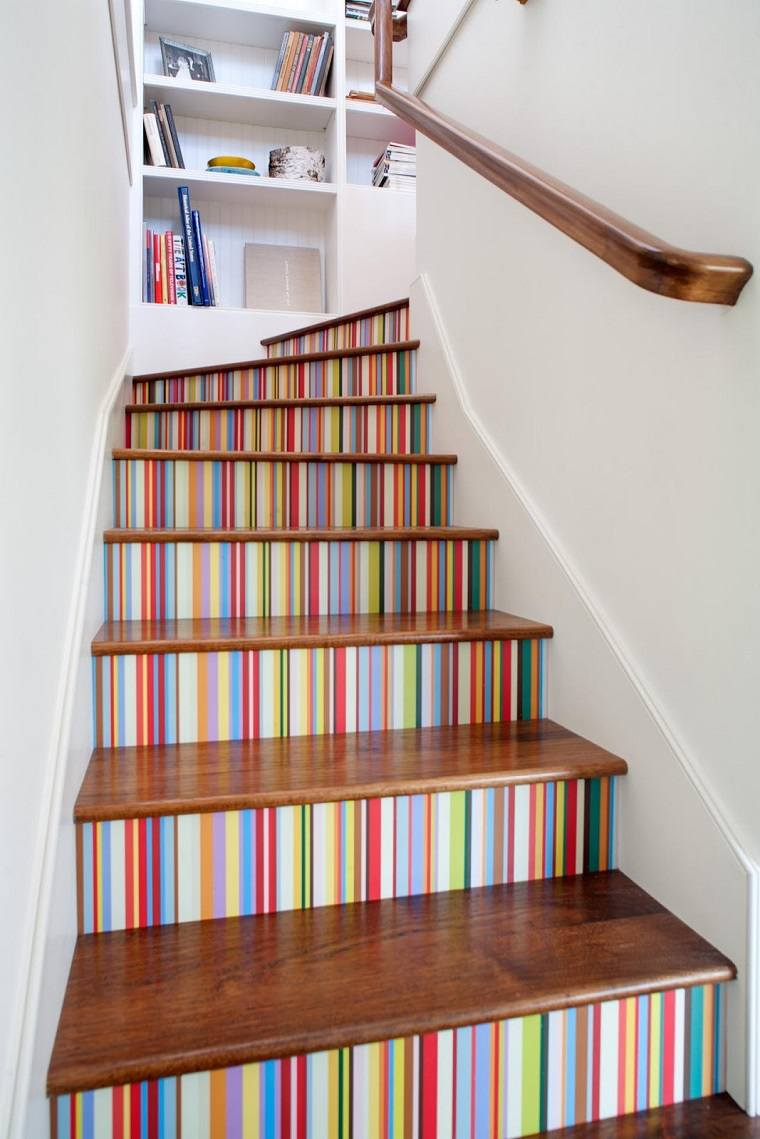 escalones madera pintados distintos colores ideas