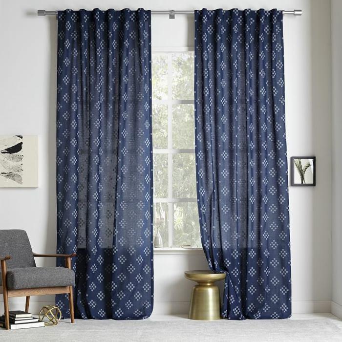 estampa geometrica cortinas azules modernas ideas