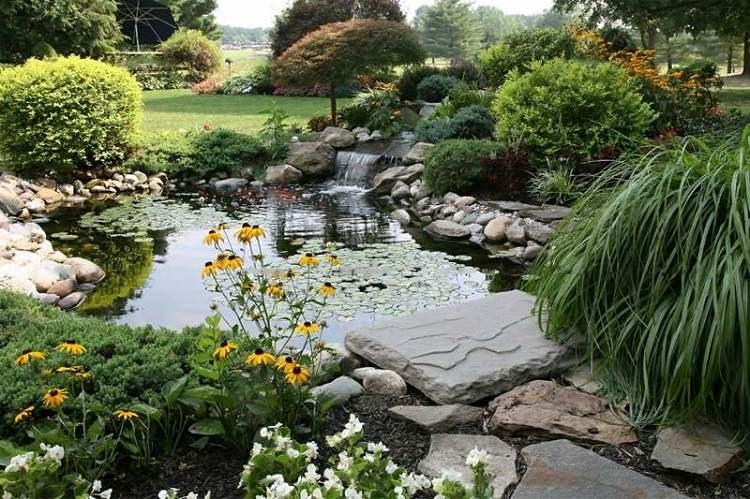 Estanques fuentes y cascadas 38 ideas para el jard n for Estanque jardin