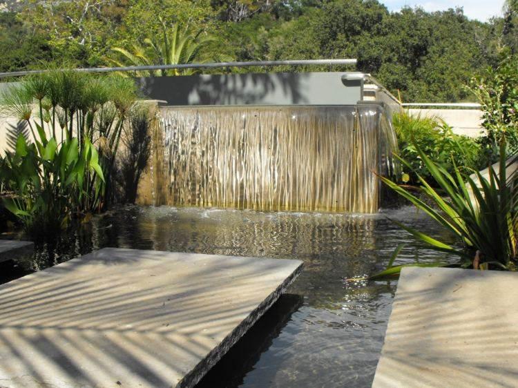estanques jardin caida agua plantas moderno ideas