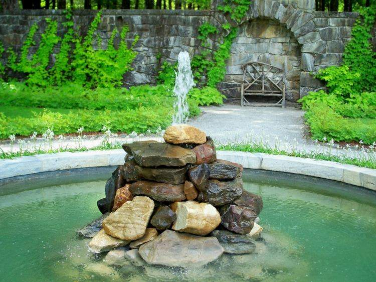 estanques jardin fuente agua piedras centro ideas