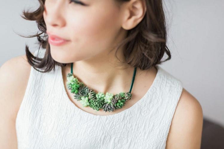 estupendo collar plantas naturales
