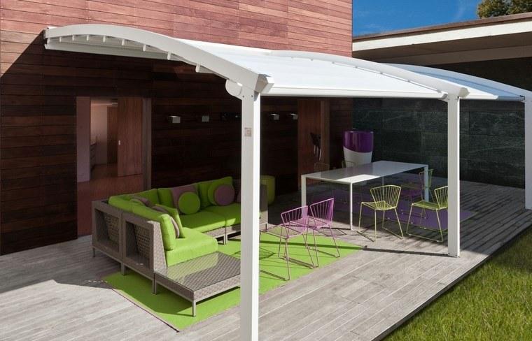 exteriores diseno moderno toldo blanco alfombra verde ideas