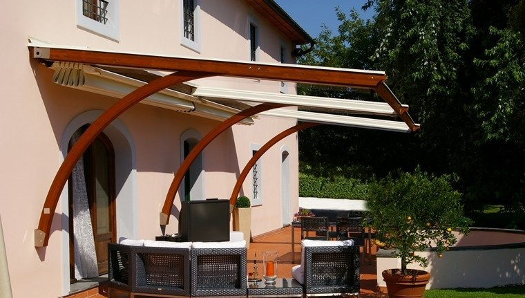 exteriores diseno moderno toldo madera tela blanca ideas