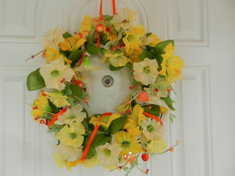 flores de primavera opciones coronas puerta amarillas ideas
