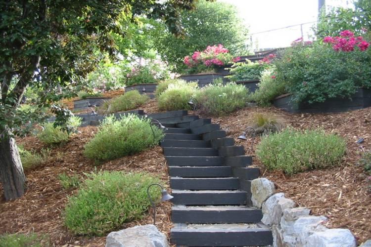 Jardines modernos con terrazas y gradas 50 dise os - Escaleras jardin ...