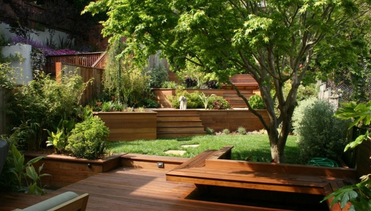 gradas madera plataforma jardin