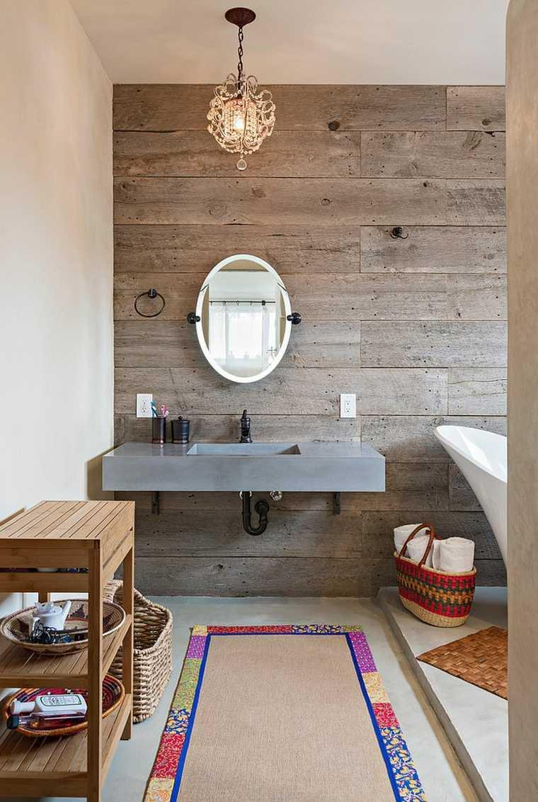 imagenes impactantes banos pared madera alfombra ideas