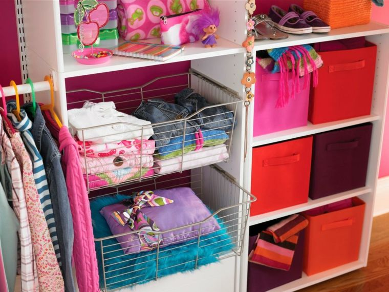 interior armario infantil colores niña