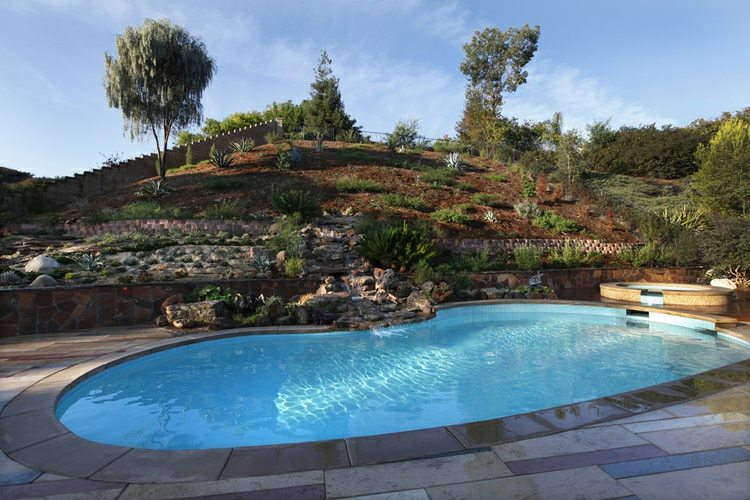 jardín piscina monte terrazas