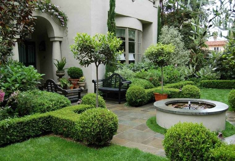 jardin clasico bancos madera negra estanque ideas