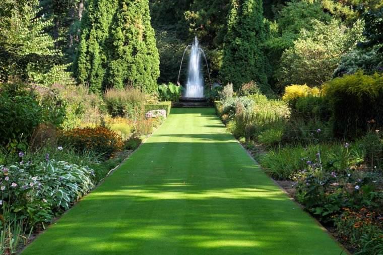 jardin clasico camino cesped rodeado plantas ideas