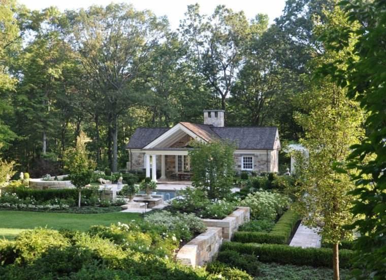 jardin clasico mansion macetas piedras ideas