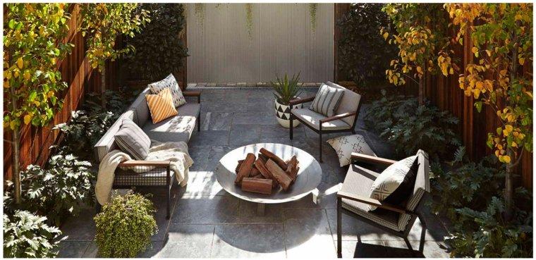 jardin pequeno lugar fuego plato sofa sillas ideas