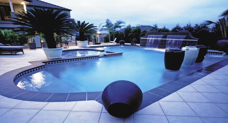jardín moderno piscina terraza