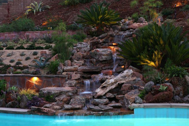jardin rocalla fuente piscuina