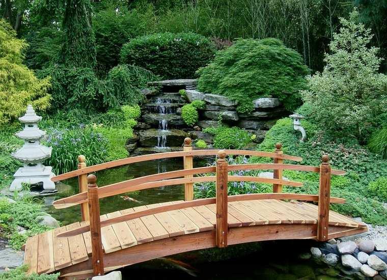Puente en el jard n cincuenta y nueve ideas para for Cascadas jardin zen