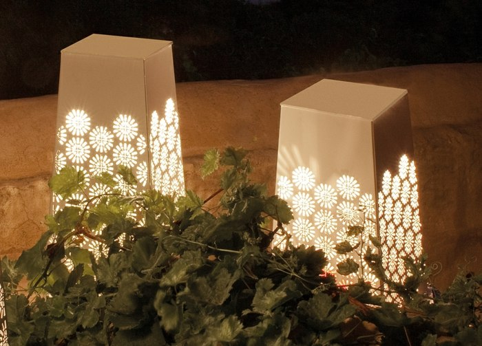 jardines luminarias ramas muros calidos rocas