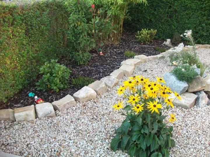 jardines mantenimiento senderos colores amarillo