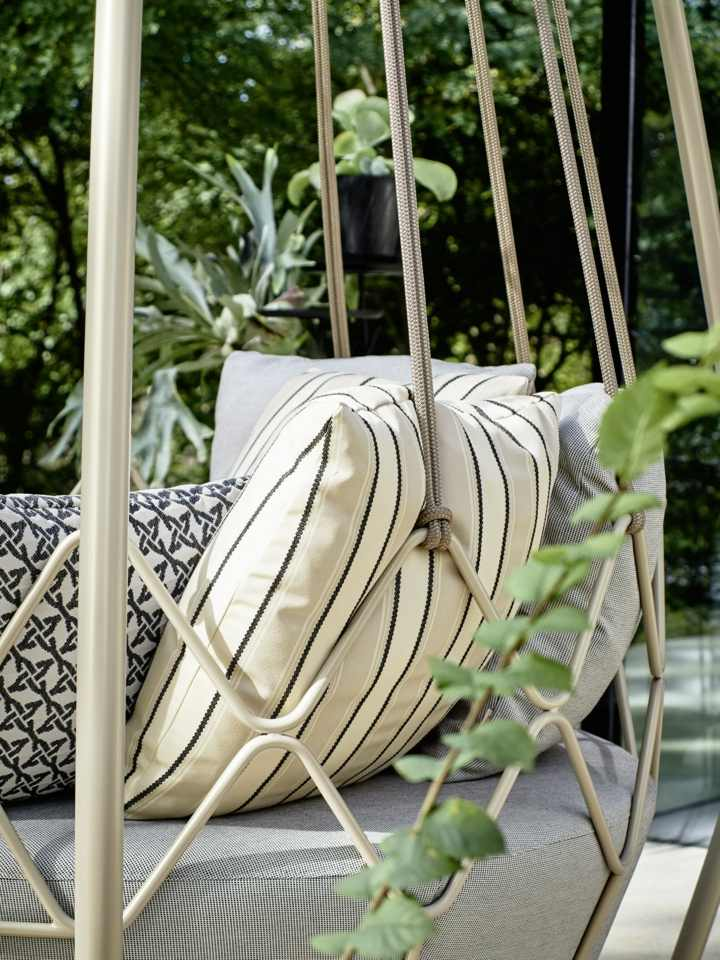 jardines mobiliario listones fuentes puertas