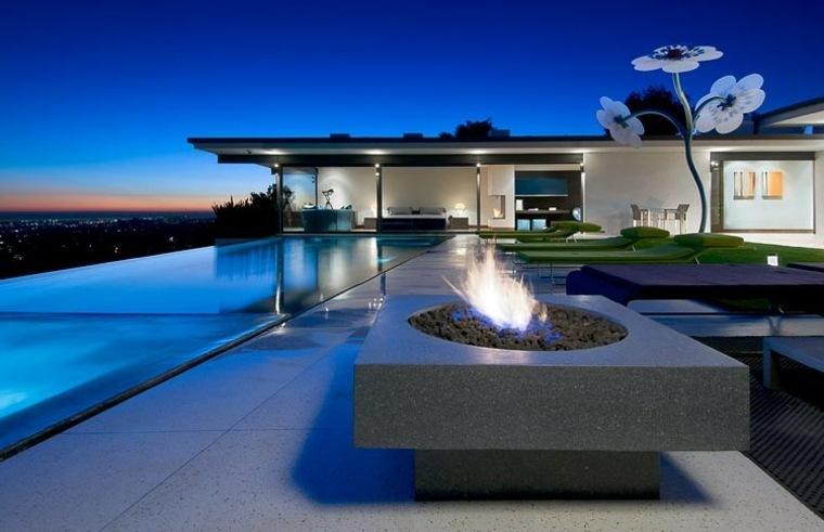 jardines modernos con piscina lugar fuego ideas