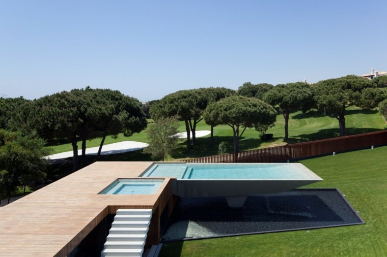 jardines modernos con piscina original ideas
