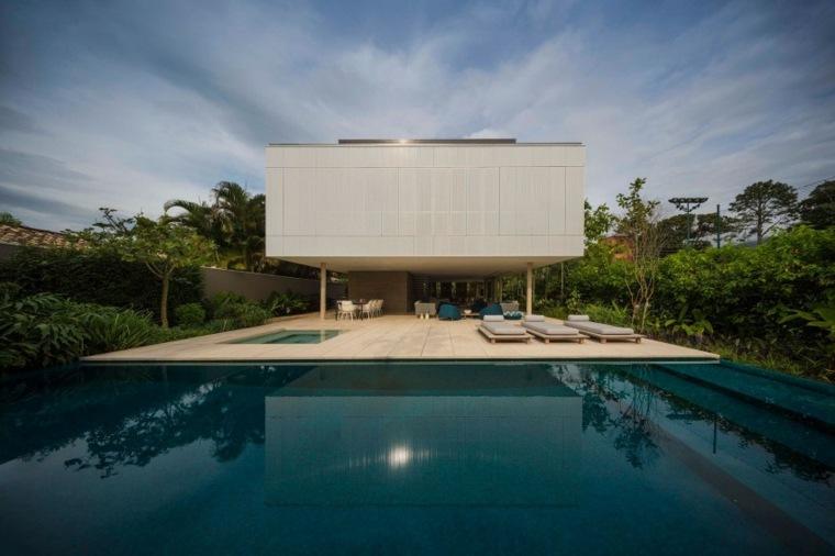 jardines modernos piscina amplia ideas