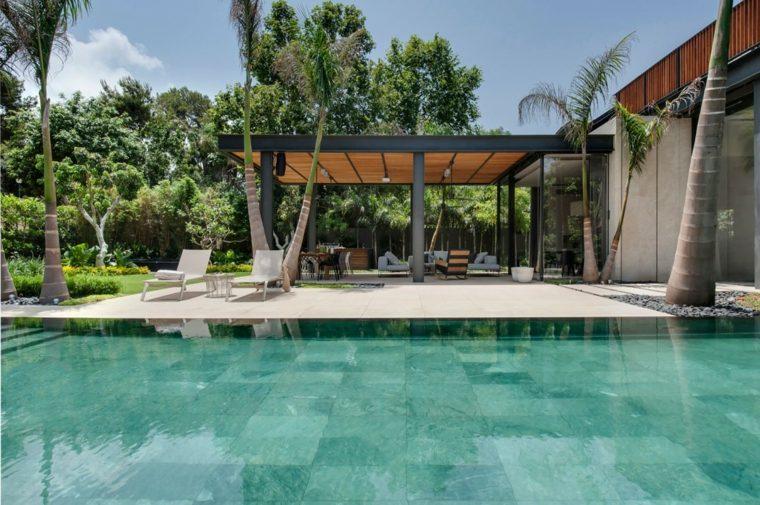Jardines modernos con piscina 50 dise os radiantes for Diseno de jardines modernos con piscina