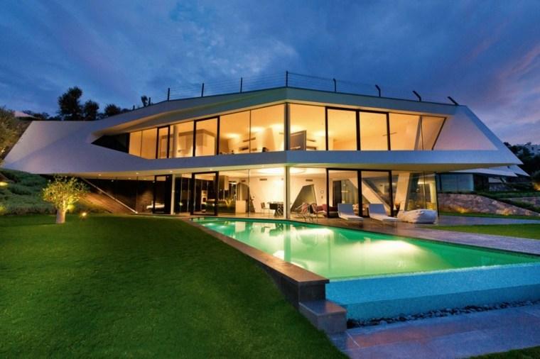 jardines modernos piscina cesped amplio ideas
