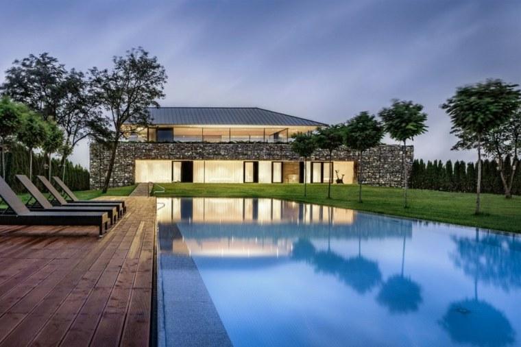 jardines modernos piscina suelo madera ideas