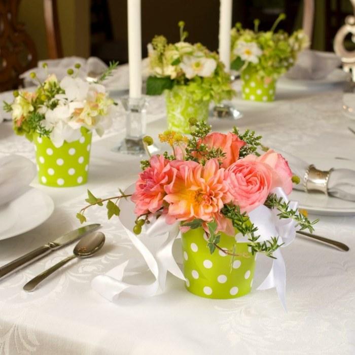 mesa dulce centro primavera flores jarrones pequenos