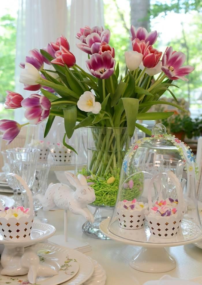 mesa dulce centro primavera tulipanes jarron cristal ideas