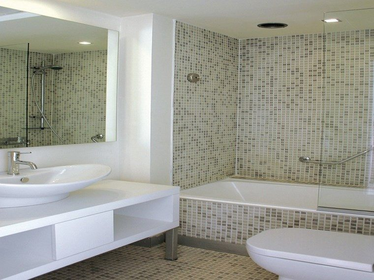 mosaicos bano moderno diseno banera lavabo blanco ideas