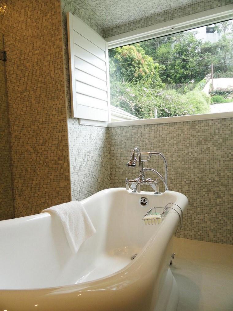 mosaicos bano moderno diseno ventana alta ideas