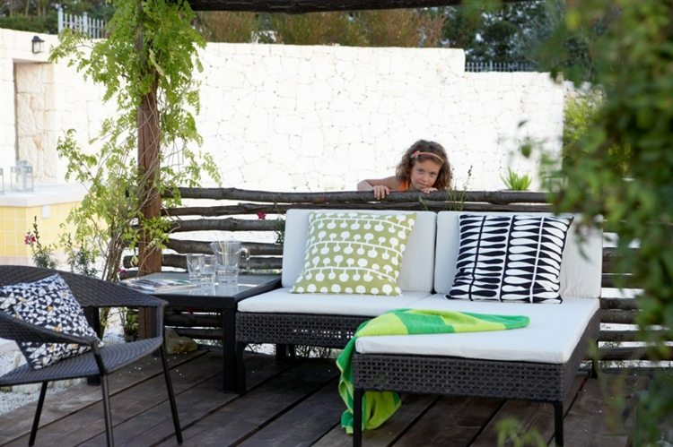 Muebles a medida e ideas para decorar el balc n for Muebles de rattan para balcon