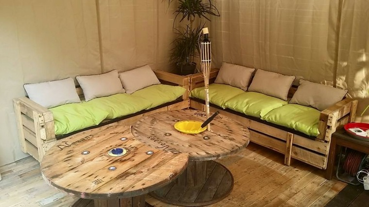 Decoracion con palets ideas para muebles de dise o casero for Colchon para muebles de jardin en palet
