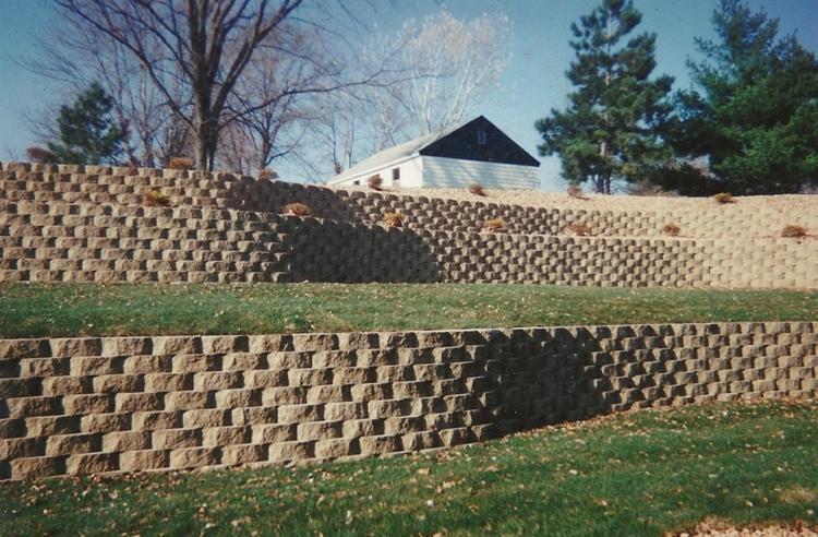 muro contencion piedras jardin