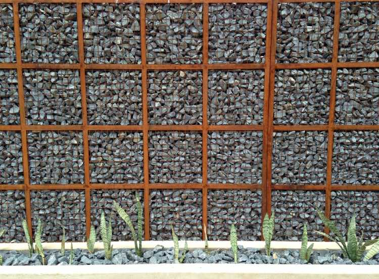 muro piedras valla diseño