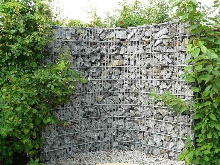 muro piedras forma redonda
