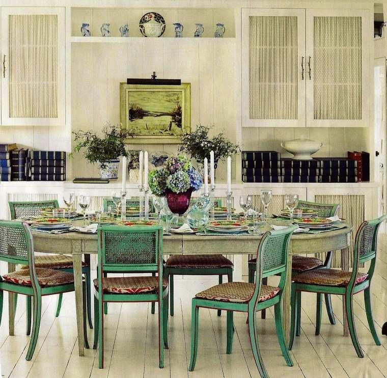 Mezcla de colores vibrantes 60 ideas de comedores vivos - Cojines sillas comedor ...