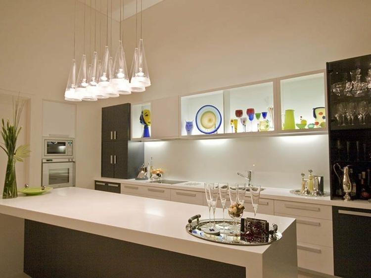 Lámpara de diseño minimalista blanca de metal para cocina Fantasy ...