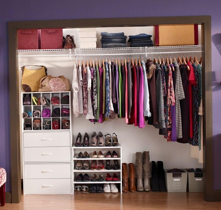 Como organizar un armario 50 ideas tiles y pr cticas - Como almacenar perchas ...