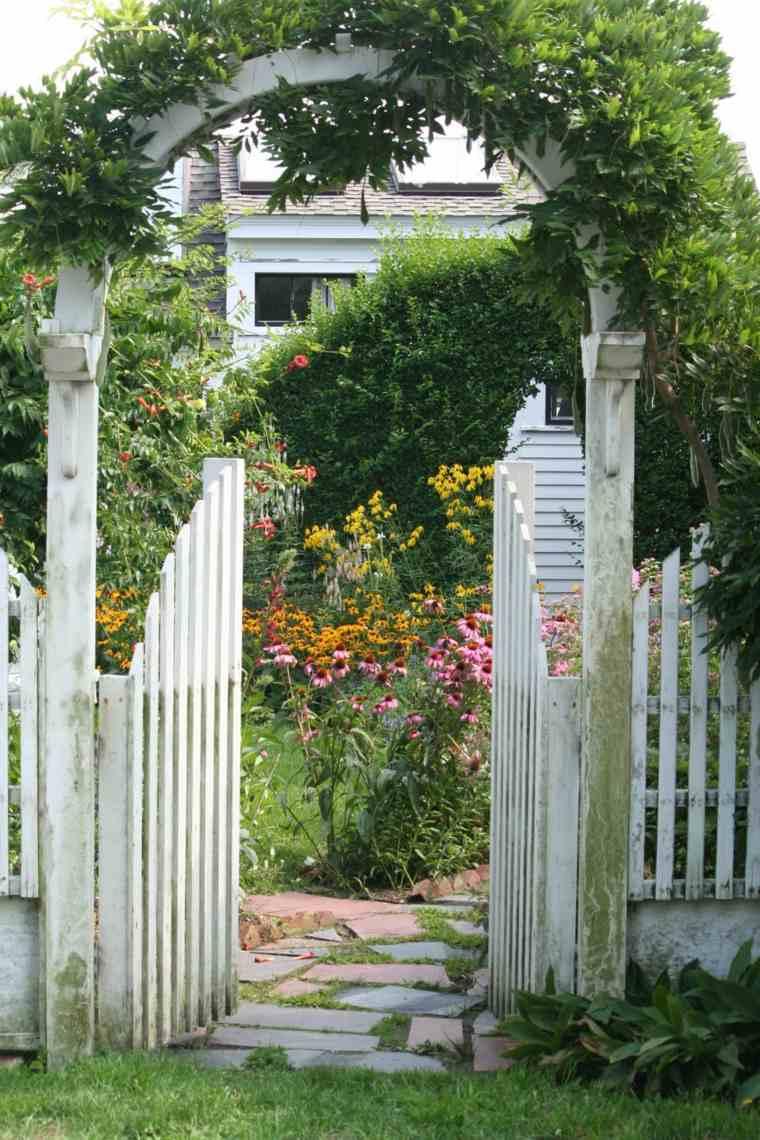 Puertas para jardin de hierro cheap puertas para bao for Puerta corredera exterior jardin