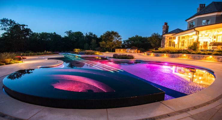 piscina forma violín Led